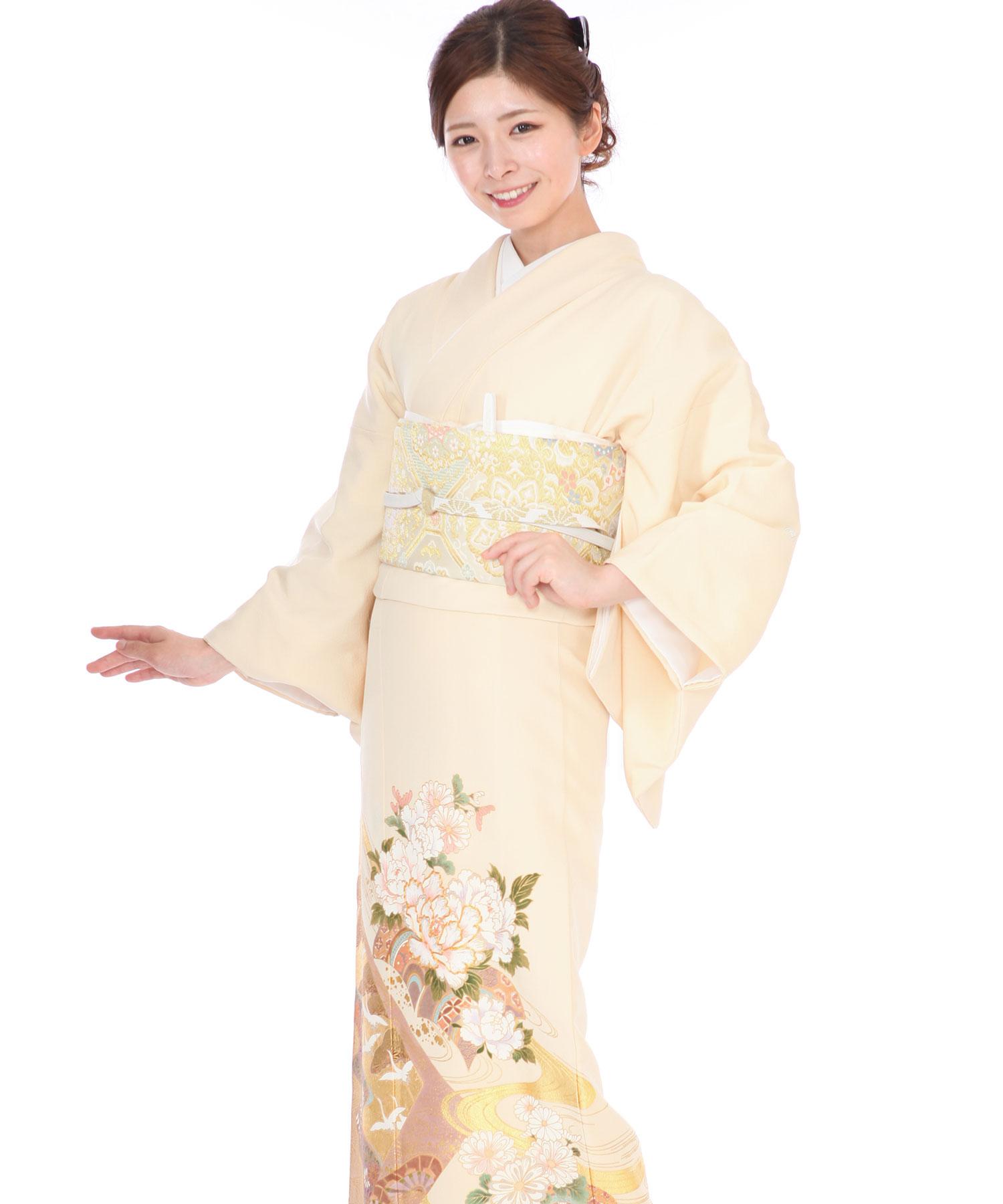 色留袖|桂由美 クリーム地に牡丹や菊に金の波文|I0007|M