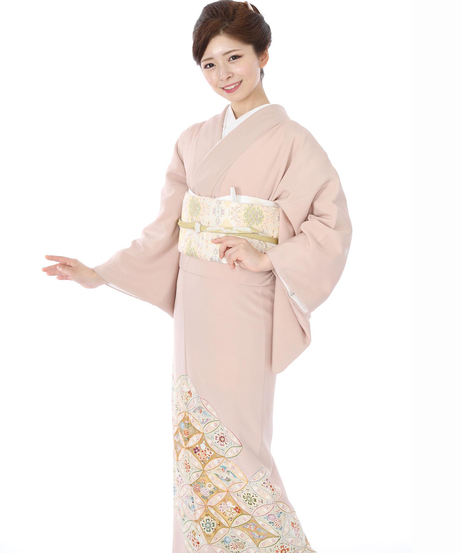 色留袖レンタル|淡いピンク地に花七宝