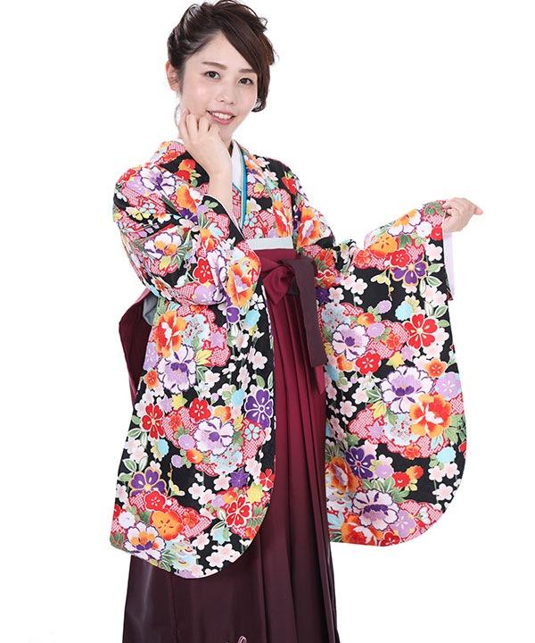 卒業式袴レンタル 黒地に花着物×赤紫グラデ刺繍袴