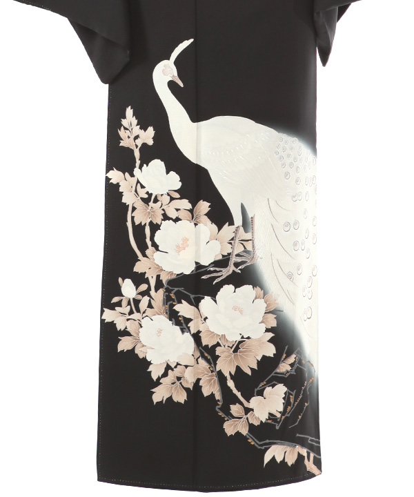 黒留袖レンタル   孔雀と牡丹に松青海波