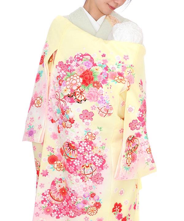 お宮参り産着レンタル 女の子|薄い黄色地に花車や鞠